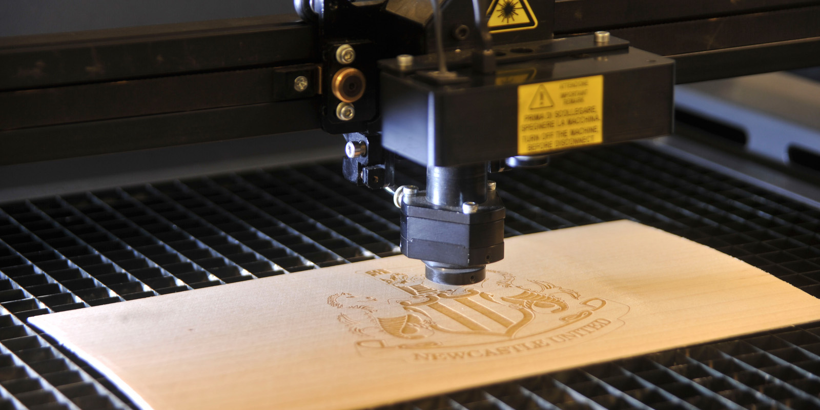 Stampante laser per legno